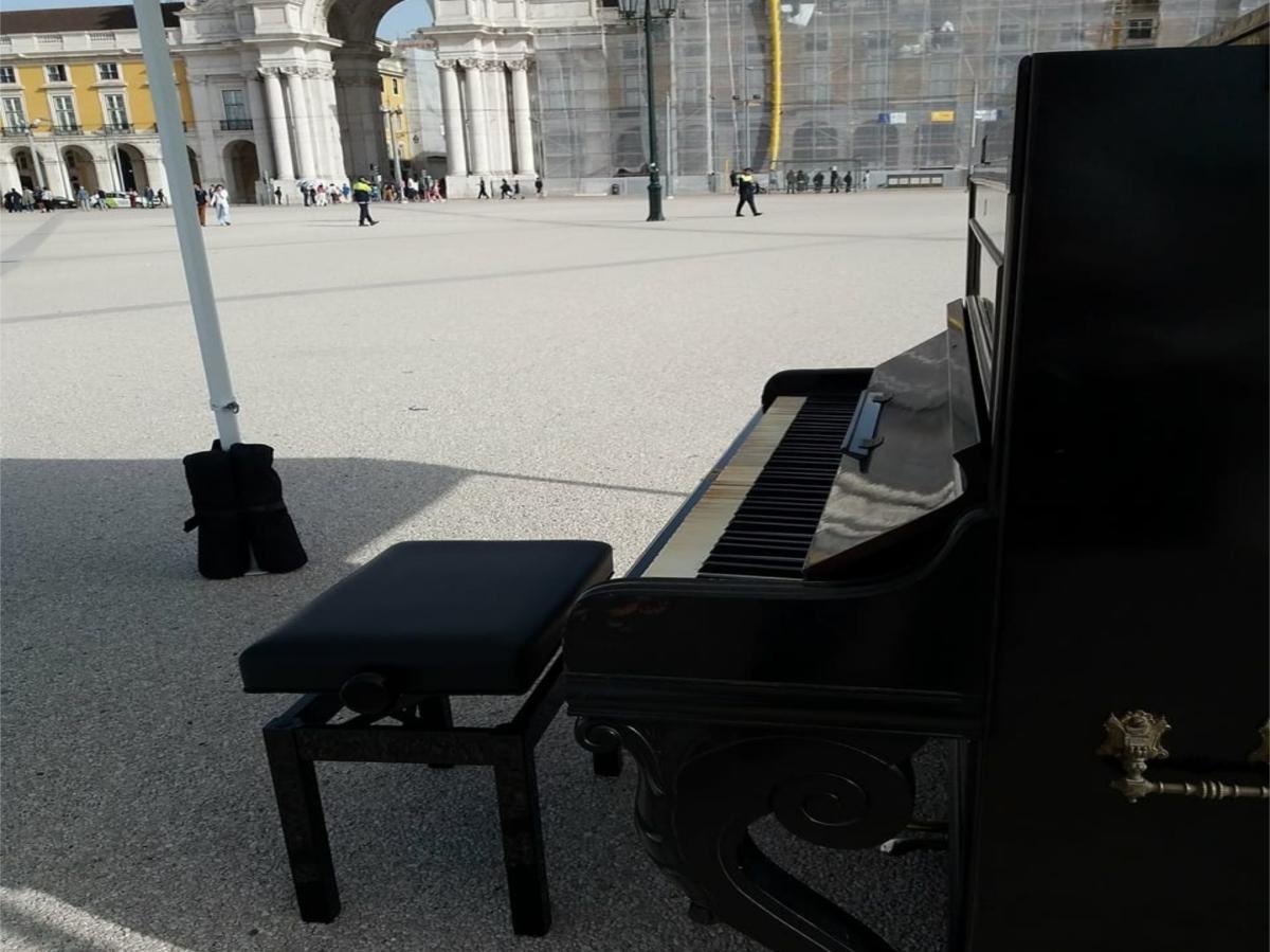 Cinco pianos, cinco dias nos cinco cantos de Lisboa, a duas ou a 4mãos!