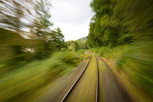 train-1715320__340